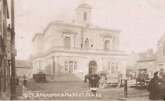 Market Place around 1908, showing the Town Hall