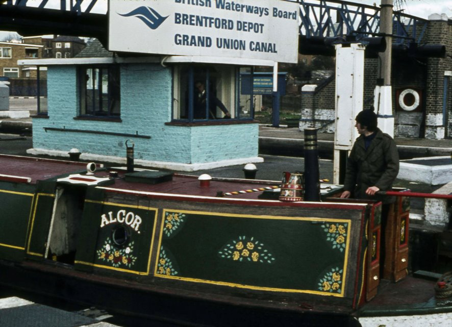 Brentford Lock Narrowboat
