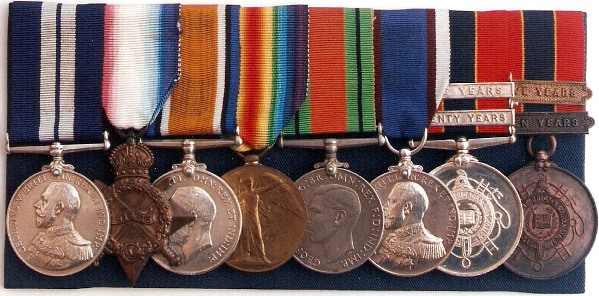 Set of 8 medals