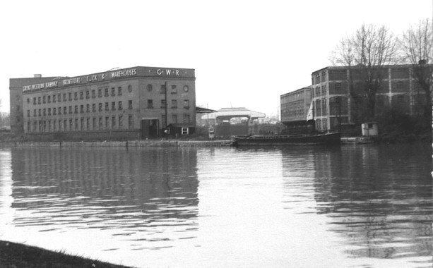 B/w photo of docks